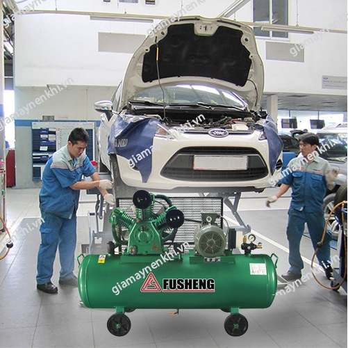 Trong các gara ô tô, người ta thường dùng máy nén khí piston công suất 2 HP, 5HP,...