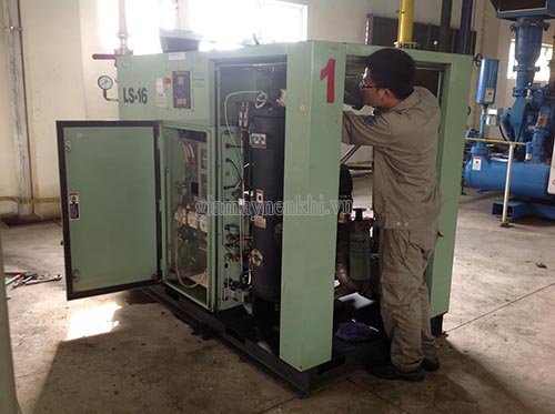 Khi bảo dưỡng máy nén khí, người dùng cần lưu ý để tránh phạm sai lầm gây hỏng máy