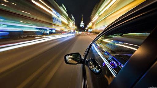Kiểm soát tốc độ khi đường trơn ướt