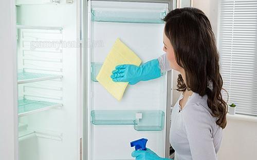 mẹo vệ sinh tủ lạnh vào mùa đông